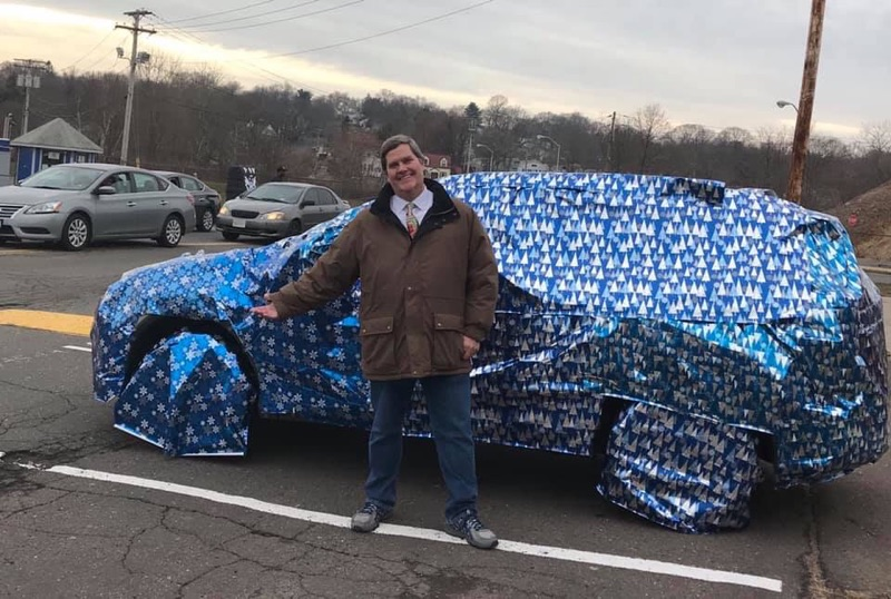 Global Studies Teacher Gets Christmas Gift in Prank War