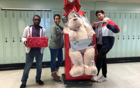 Valentine's Day Fundraisers Support HOSA, Honor Society